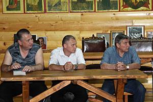 Члены совета: М.К. Иванов, В.Н. Костенко, Н.Г. Сучилин.