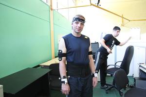 Ученик В.Ю. Боровкова К.Л. Григорьев был задействован в эксперименте на оборудовании Qualisys, позволяющем построить трехмерную модель движения