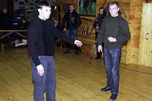 М.В. Шатунов и его ассистент Г.П. Шепелев