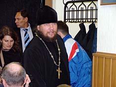 С небольшим опозданием на совет прибыл основатель Богатырской слободы иеромонах Феоктист