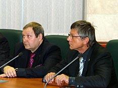 Председатель правления Моск. отделения фонда 'Вымпел Гарант' В.Ю. Киселев и ветеран КГБ, 4-й дан Годзурю карате В.И. Чугунов.