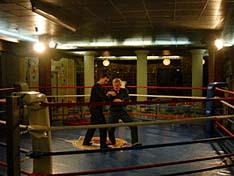 Демонстрация техники защиты от ножа с инструктором СКАД А. Никитиным.